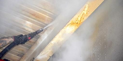 Parní čištění konstrukcí a stropů
