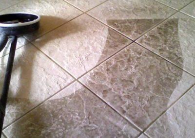 Parní čištění keramické dlažby 05