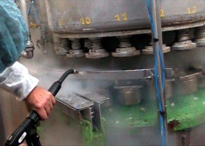 Parní čištění strojů 07